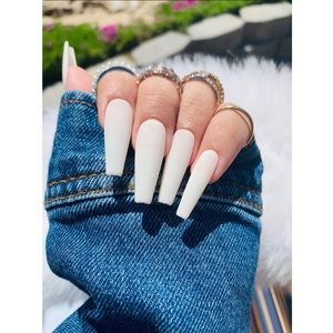 ✨White Coffin Shaped Press-on Nails✨